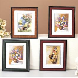 Picture Framing, Wood Section Picture Frames