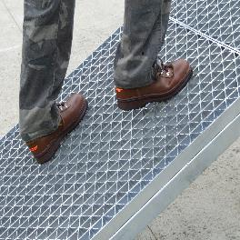 Non-slip Magic Grating