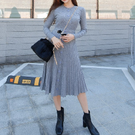 HONGHONG GALLERY's Pocket Button Knitted Dress