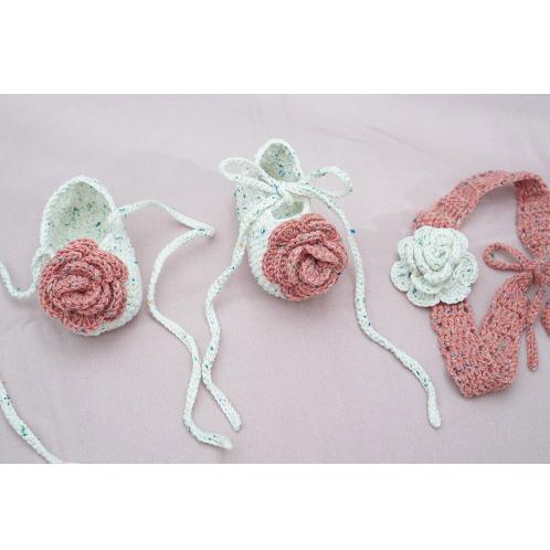 Baby Shoes - Rose | baby, baby shoes, mocca shoes, knit, crochet, woolen yarn, pale pink, ivory, mustard, blue, navy, cinnamon, brown, deep aqua, khaki